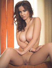 Playmate elizabeth marxs at playboy