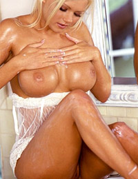 Playmate buffy tyler at playboy